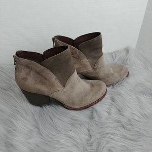 Kork-Ease Castaneda Taupe Suede and leather Size 9